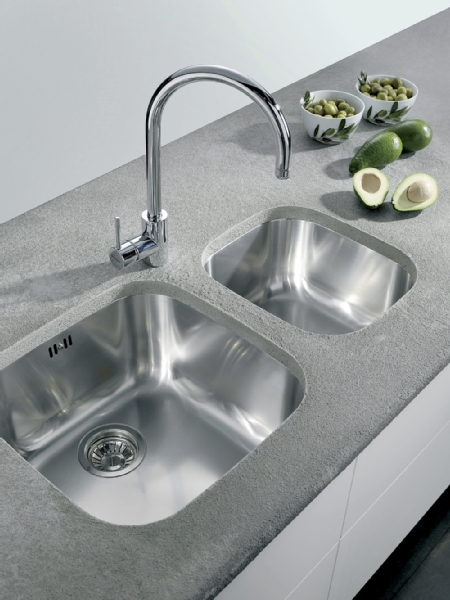 Pyramis Iris large undermount sink