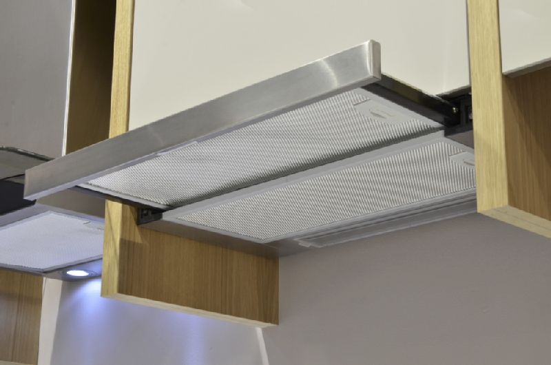 Telescopic cooker hood