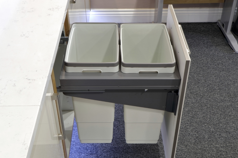 Soft close pull out cargo bin for 450/500mm units